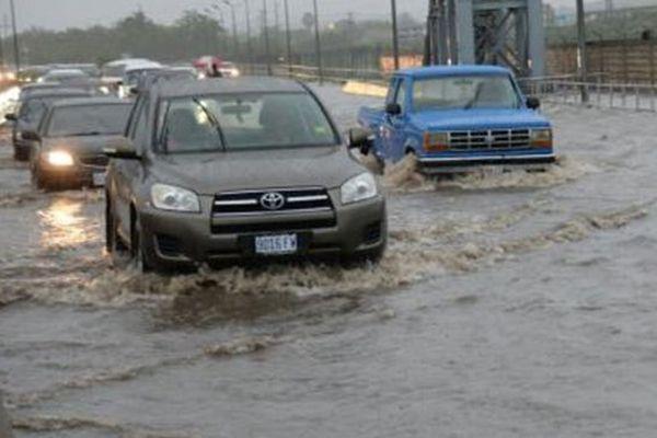 Jamaïque: beaucoup de chauffeurs ont ete piegé par la montée des eaux