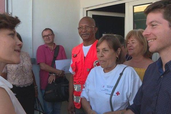 Chritelle Dubos, secrétaire d'Etat auprès de la ministre des Solidarités et de la Santé, visite Croix-Rouge 160319