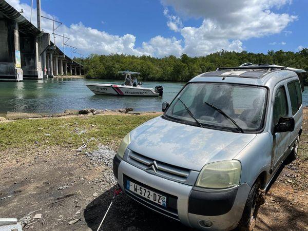 Voiture retrouvée immergée dans la rivière salée - 03/03/2021