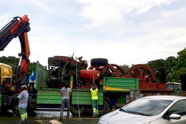 Epave du Tracteur tombé du pont de la Boucan