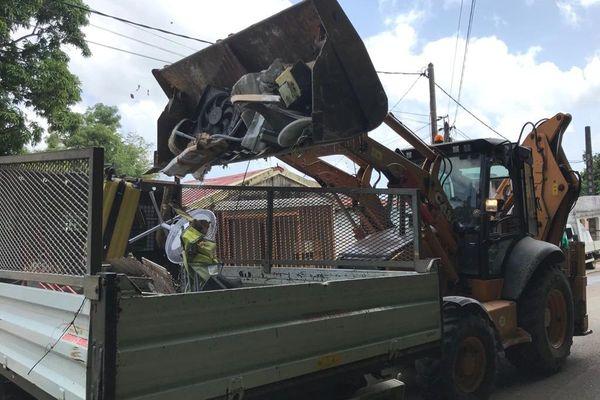 Opération nettoyage élus Petit-Bourg