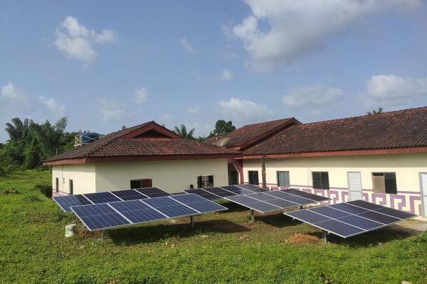 Installations solaires dans l'Amapa dans un village amérindien