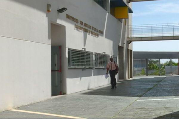 Valmorin à l'Université des Antilles