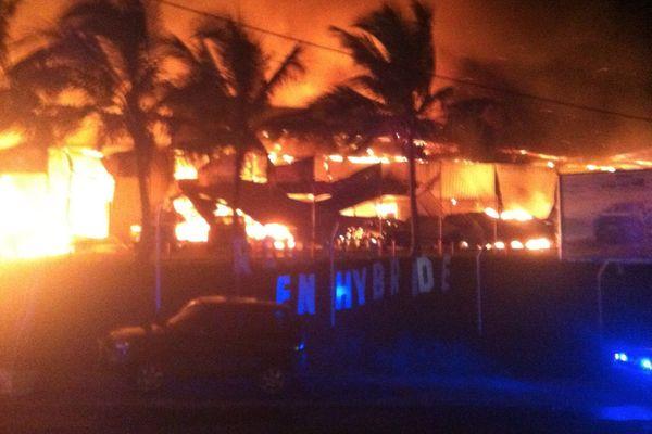 incendie ducos 030416
