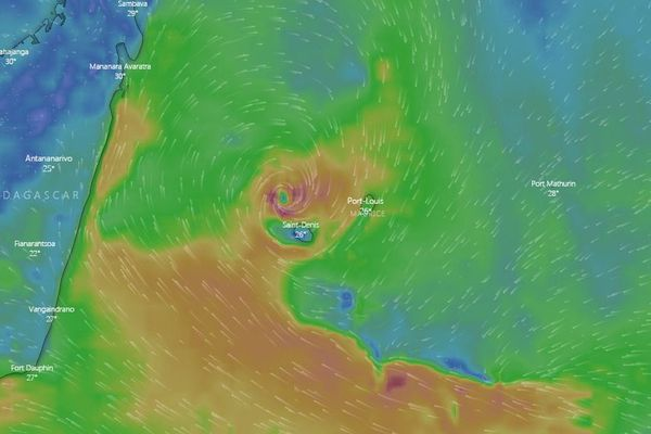 Un système dépressionnaire devrait se rapprocher de La Réunion. Cette prévision du site Windy est effectuée sur la journée de jeudi prochain.