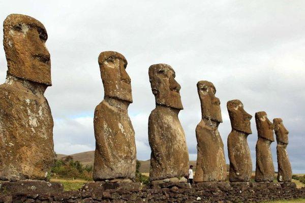 Les moaïs de Rapa Nui / Île de Pâques