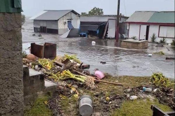 Le cyclone Tino a fait des lourds dégâts à Tonga