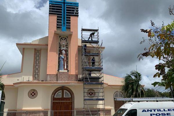 Rénovation du clocher du bourg de Sainte-Anne : les paroissiens devront être patients