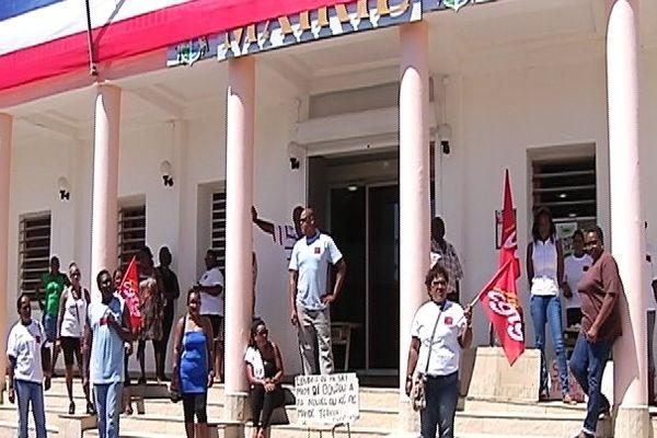 Grève agents caisse des écoles St François