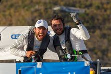 Nils à gauche et Julien à droite deux marins devenus potes