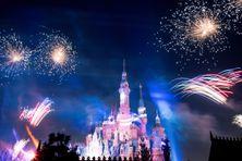 """L'affiche du film """"Peter Pan & Wendy"""" des studios Disney"""