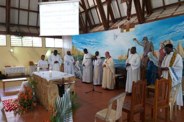 Célévration de lamesse aux victimes de Haïti