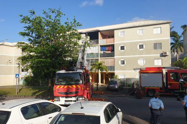 Incendie appartement Fond Sarail Baie-Mahault