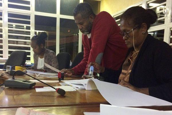 Photo traitement demandes procuration mairie Lifou (10 juin 2017)