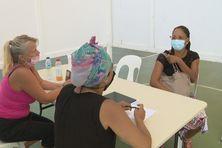 Echanges constructifs entre la population et des responsables de la santé.