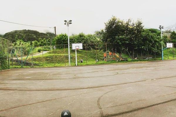 sport basket ballon terrain bitume