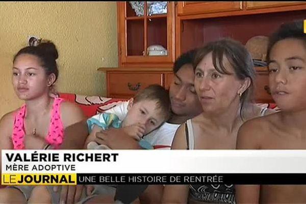 3 enfants adoptés retrouvent leur famille biologique à Tahiti