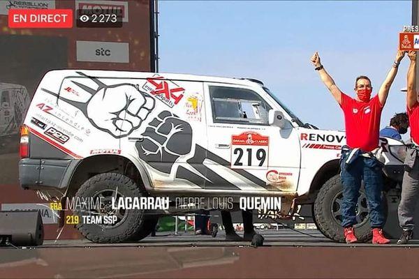Maxime Lacarrau termine 3eme du Dakar