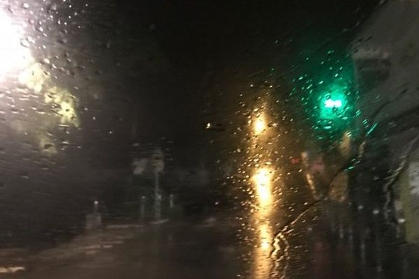 Pluie dans la nuit