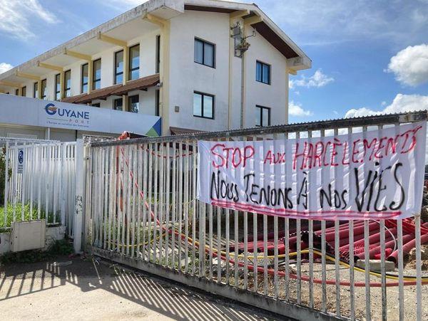 Le Grand Port Maritime de Guyane toujours bloqué suite à une gréve lancée par l'UTG après le licenciement d'une salariée.