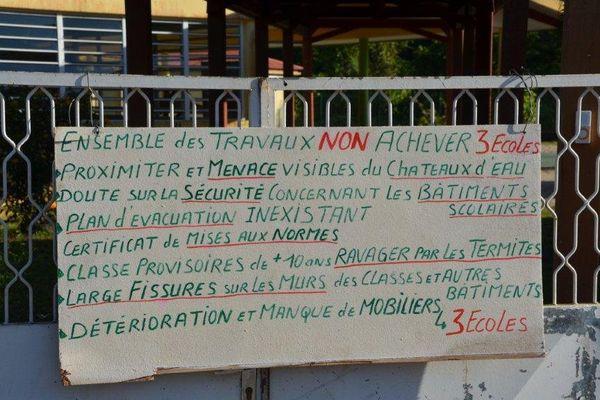 Iracoubo, panneau des parents d'élèves