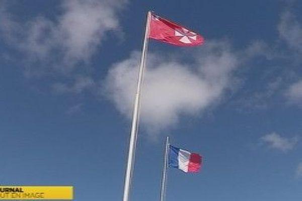 drapeau wallisien et Français