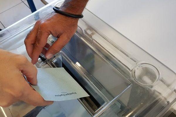 201706011 vote urne