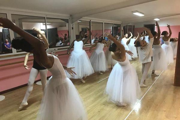 Spectacle Ecole de danse Liliane Bimont