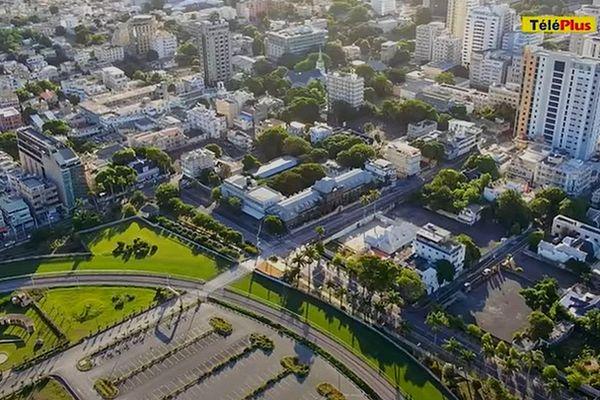 Image aérienne de Port-Louis confinée