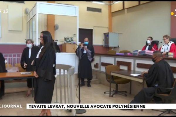 Tevaite , une nouvelle avocate prête serment