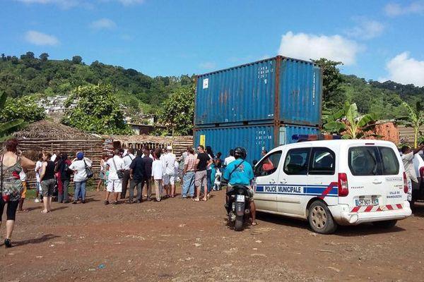 Mayotte sous tension appelle à une journée île morte mardi