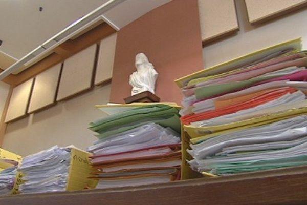 tribunal administratif Nouméa jeudi