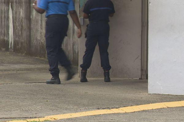 Gardiens de prison