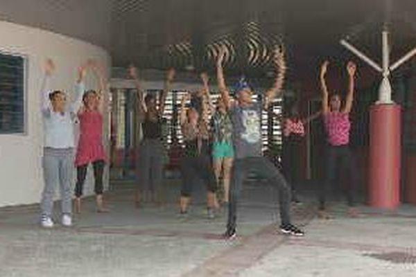 Format Danse devant l'Espace Régional