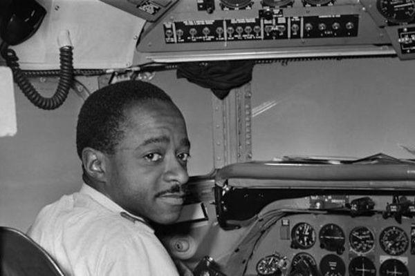 Le pilote Charles Eboué le 28 aout 1958
