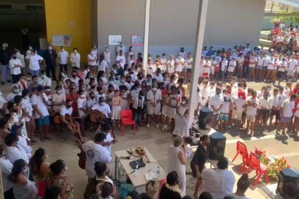 hommage lycée Bora Bora