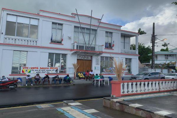 Grève mairie de morne-à-l'eau