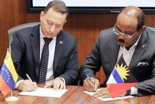 Gaston Browne premier ministre d'Antigua et Barbuda