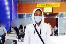 Jérémy Guitteaud de retour en Martinique, après des semaines d'attente à la Barbade depuis la fin de ses études, en raison de la fermeture des frontières pour cause de Covid-19 (le 16 juillet 2021).