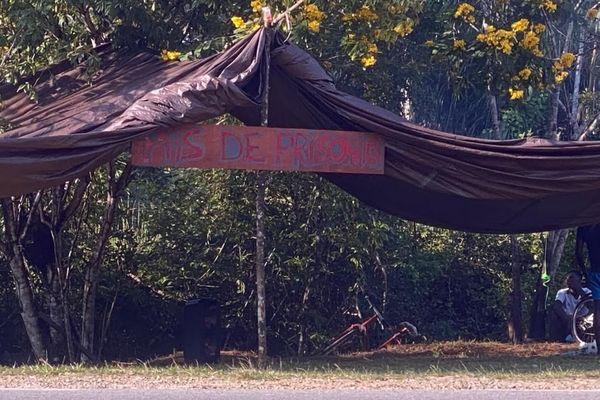 Protestation des habitants de la crique Margot contre l'implantation d'une prison à cet endroit