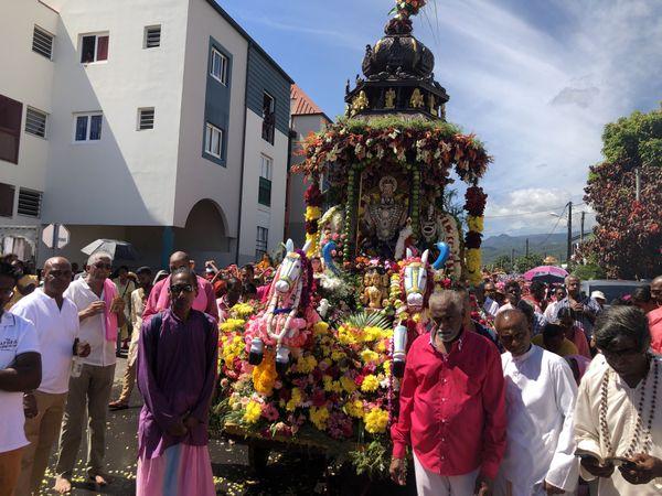 La grande procession du Cavadee à Saint-André.