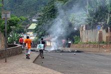 Le village de Trévani a subi la colère de jeunes de Koungou la nuit dernière, avec des barrages notamment sur la RN1.