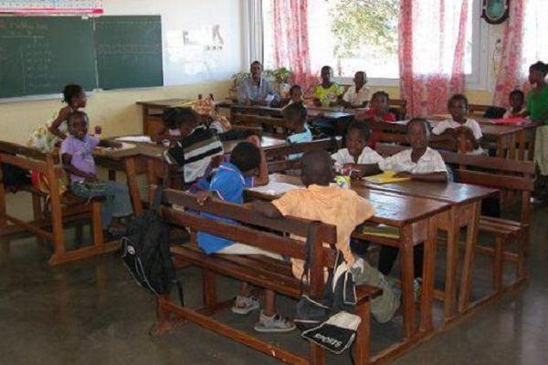 A Mayotte, des milliers d'enfants déscolarisés