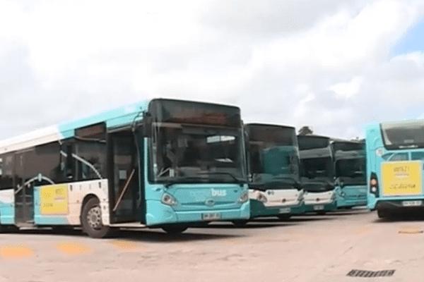 Les bus de l'agglo à l'arrêt