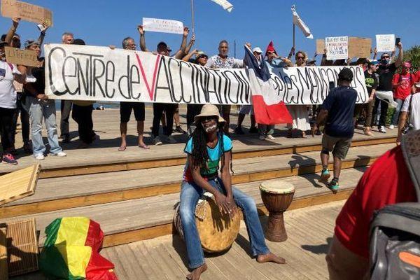 Manifestations contre le pass sanitaire à Saint-Pierre le 14 aout 2021