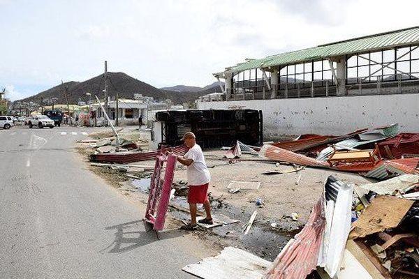"""Les îles de St Martin et St Barthélémy touchées de plein fouet par """"Irma"""""""
