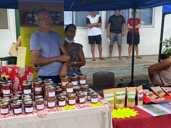 Le marché du terroir de Paea fait le plein d'exposants et de clients