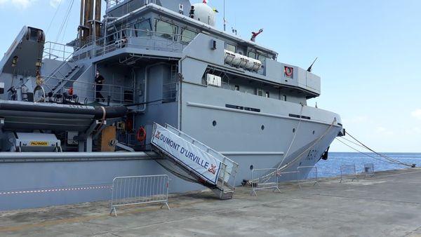 Dumont d'Urville, bâtiment de soutien et d'assistance Outre-mer (BSAOM) de la Marine nationale