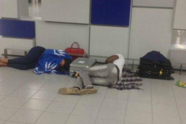 Le calvaire des 355 passagers d'Air Caraïbes dans un hangar aux Açores