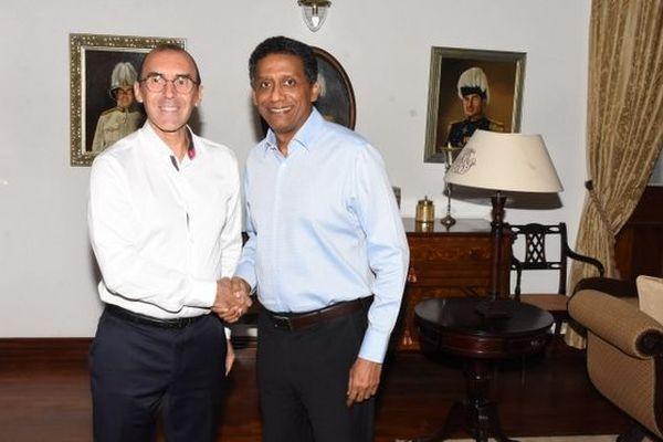 Dominique Mas, ambassadeur de France aux Seychelles, et Dany Faure, président, octobre 2019